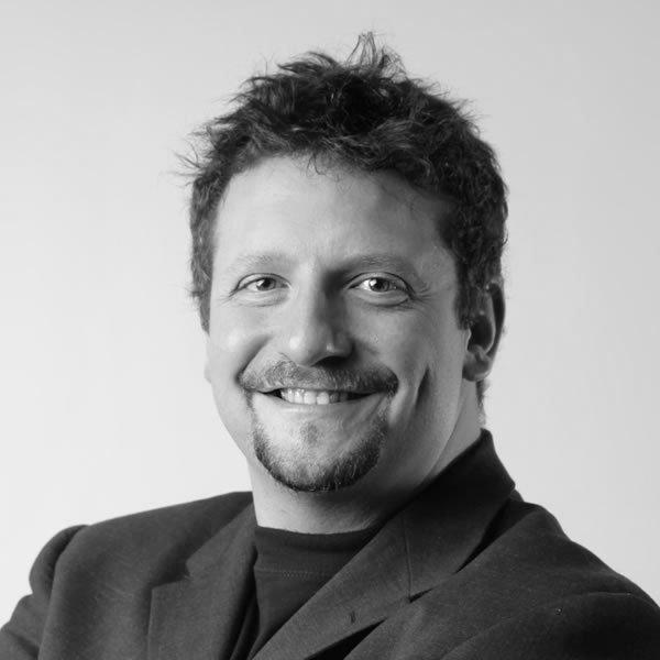 https://applauz.bold-themes.com/main-demo/wp-content/uploads/sites/3/2017/11/speaker-4.jpg